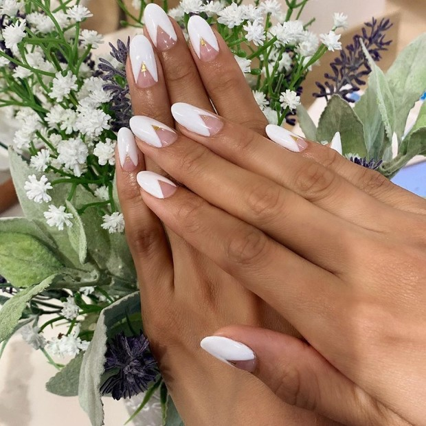 The French Manicure Is Still Fierce AF for the Modern Bride
