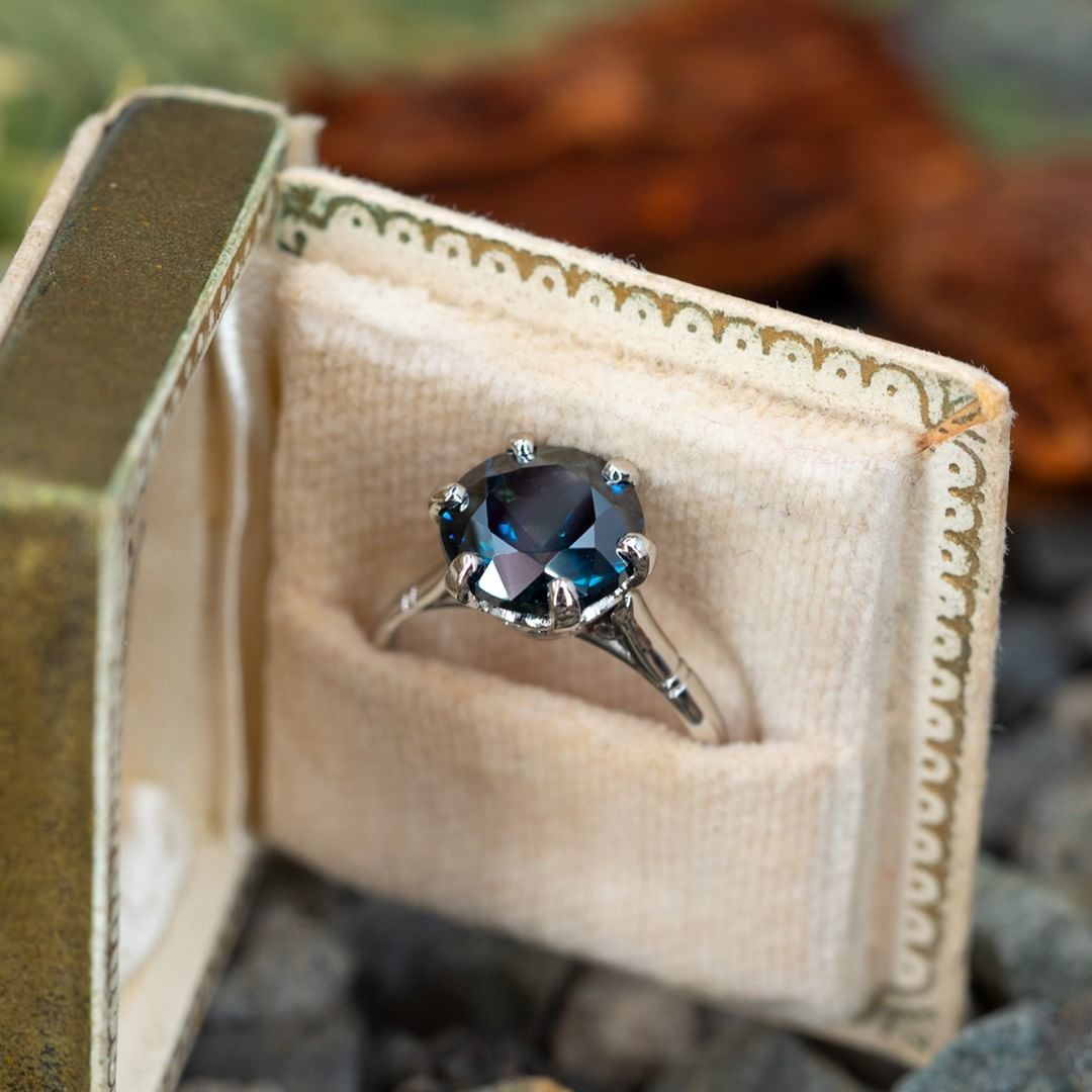 4 Carat No Heat Sapphire in 6 Prong Platinum Setting