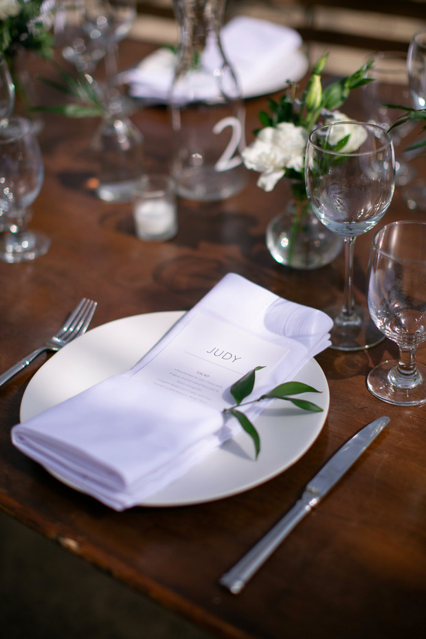 simple and chic wedding table setting