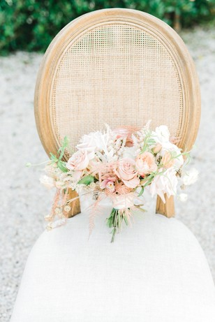 rose gold inspired wedding bouquet