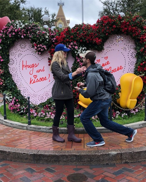 The Cutest Disney Proposals That Make All Of Us Believers