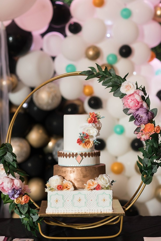 retro modern wedding cake