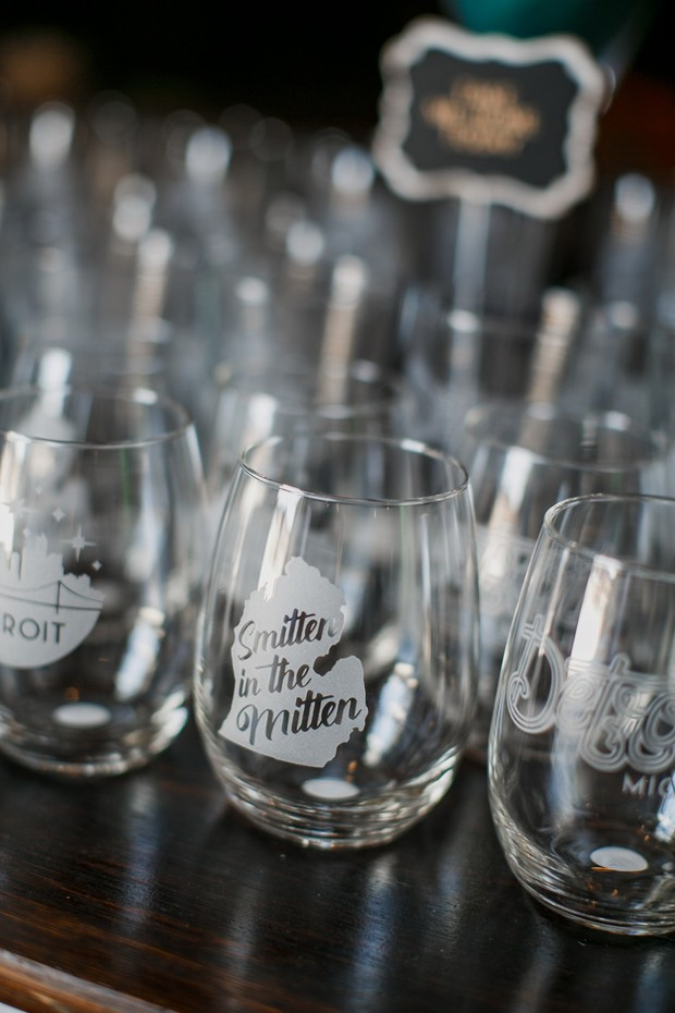 smitten in the mitten wedding favor glasses
