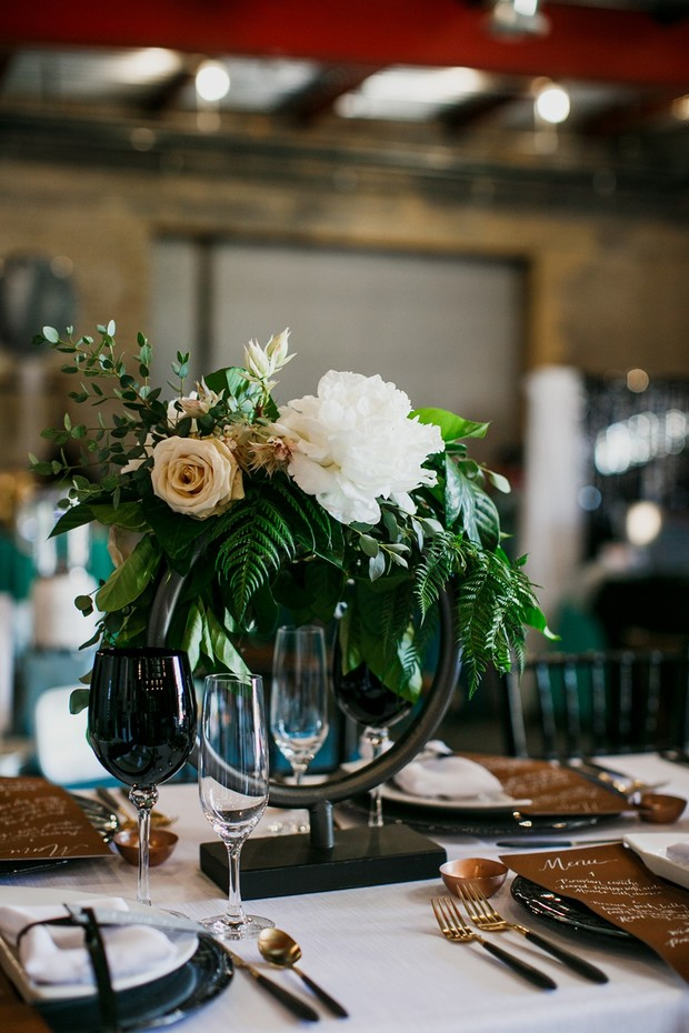 unique modern floral table decor
