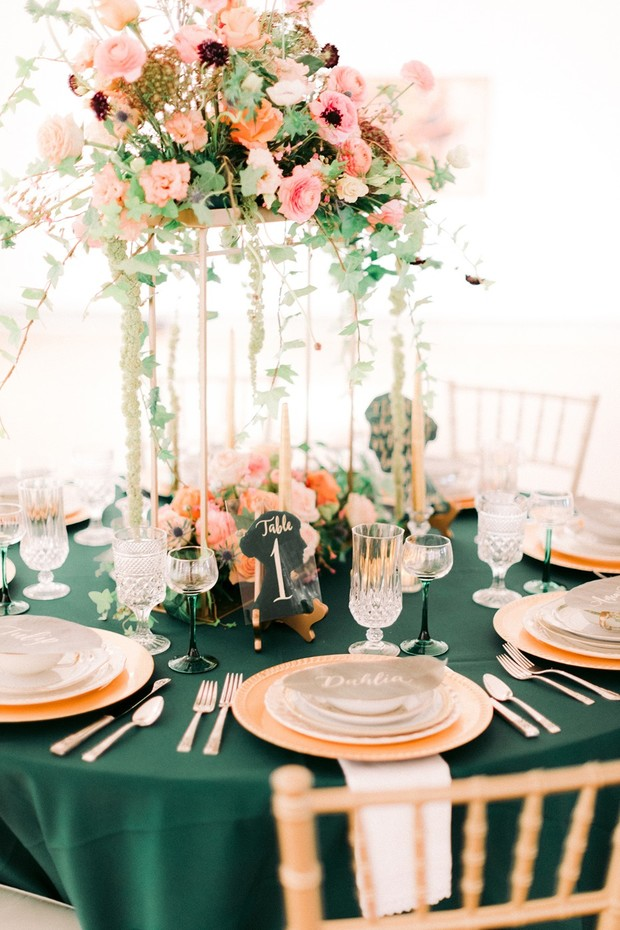 garden chic reception table