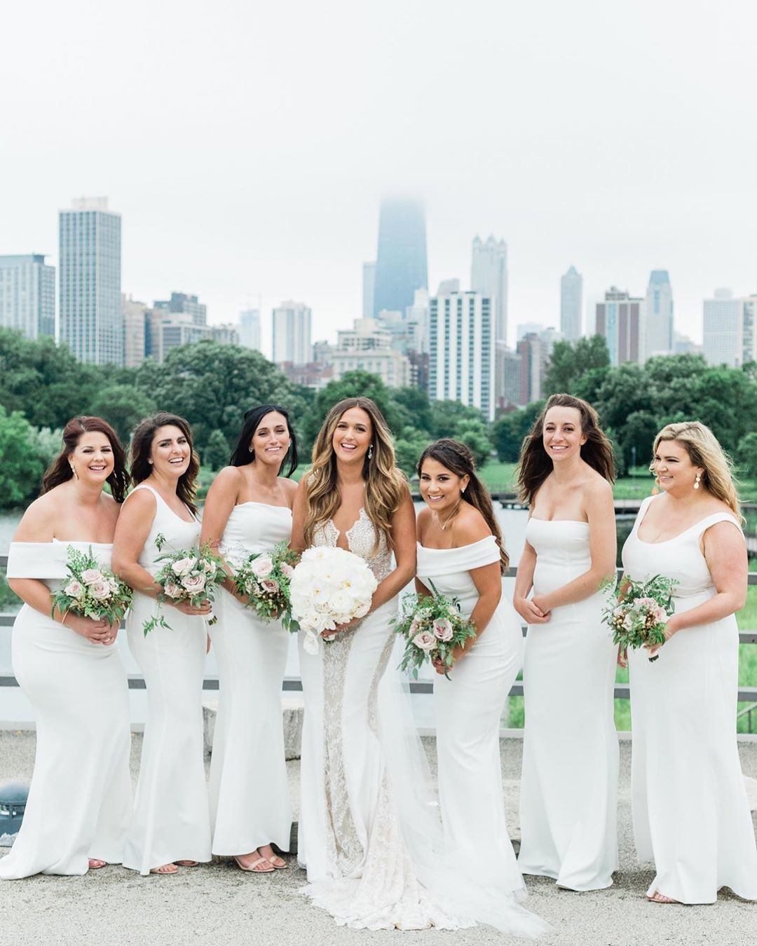 Gorgeous Chicago bridal party