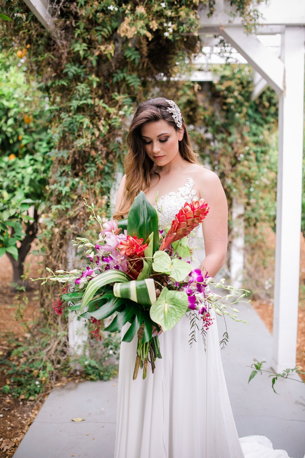 Thinking out of the box, a theme that was fresh and unique was the inspiration for this Havana Nights styled shoot! Setting the mood