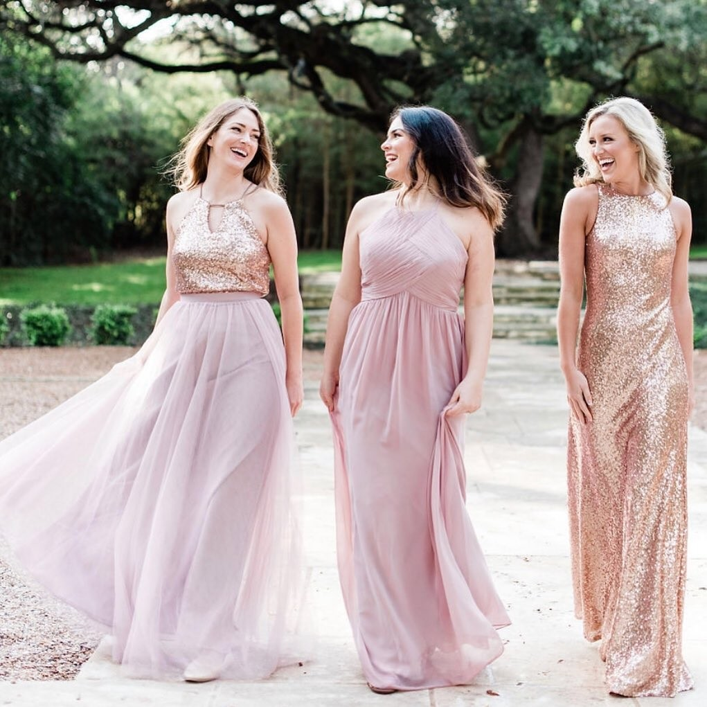 Mixing blushes and golds, tulles, chiffons, and sequins? Not only is it possible — it's perfect!😍