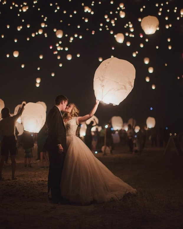 Epic Nighttime Wedding Looks to Have On Your Shot List