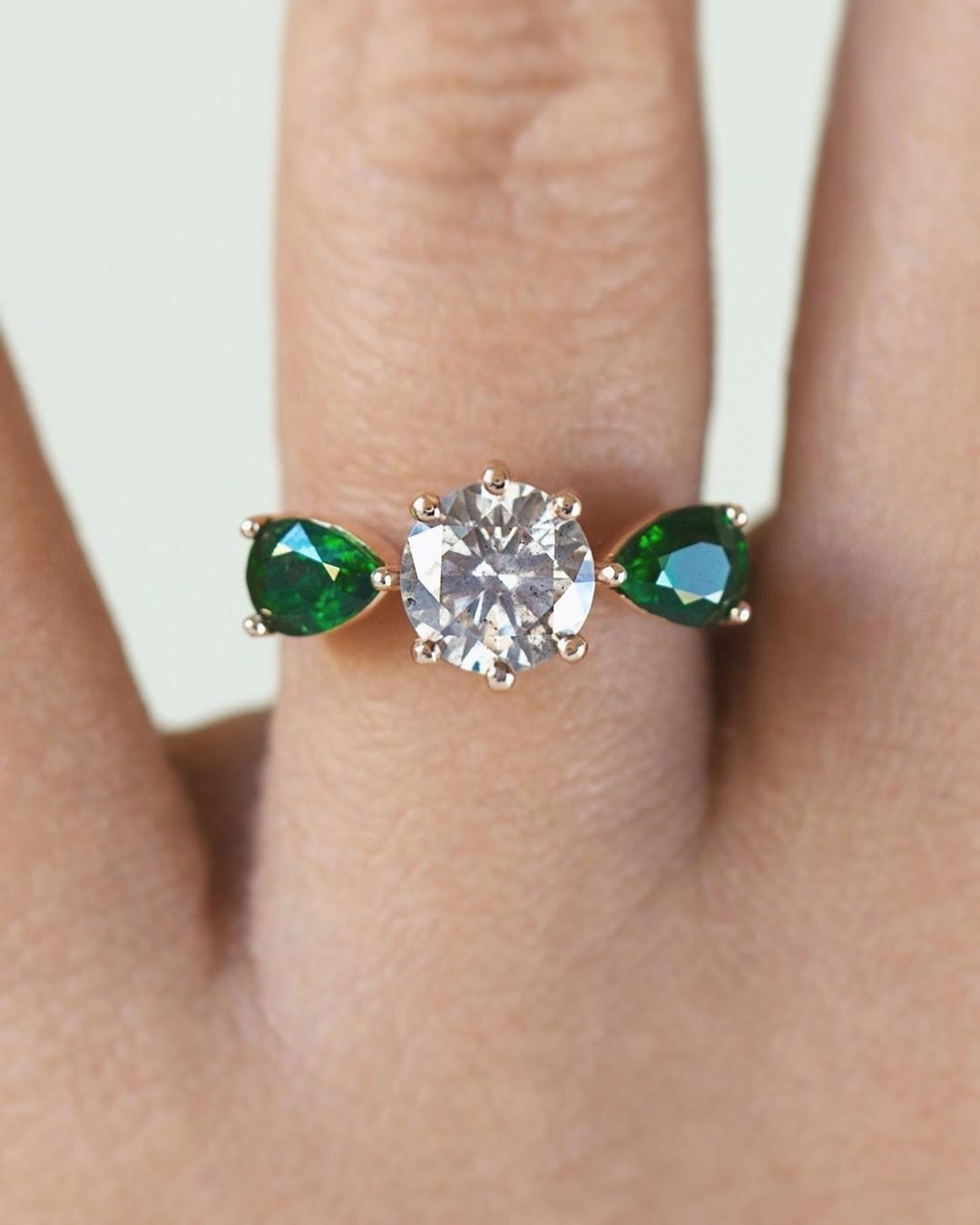 And now for something a little different... recycled rose gold, recycled diamond, and Tsavorite garnet. 💚💚💚