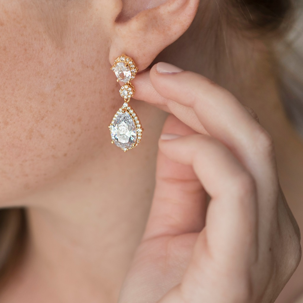 You'll find beautiful bridal earrings at Wink of Pink Shop. The Camille Teardrop Bridal Earrings are available in rose gold, gold and