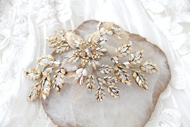 This handcrafted Antique gold Swarovski crystal Bridal hair comb headpiece is created using antique gold leaves soldered together so
