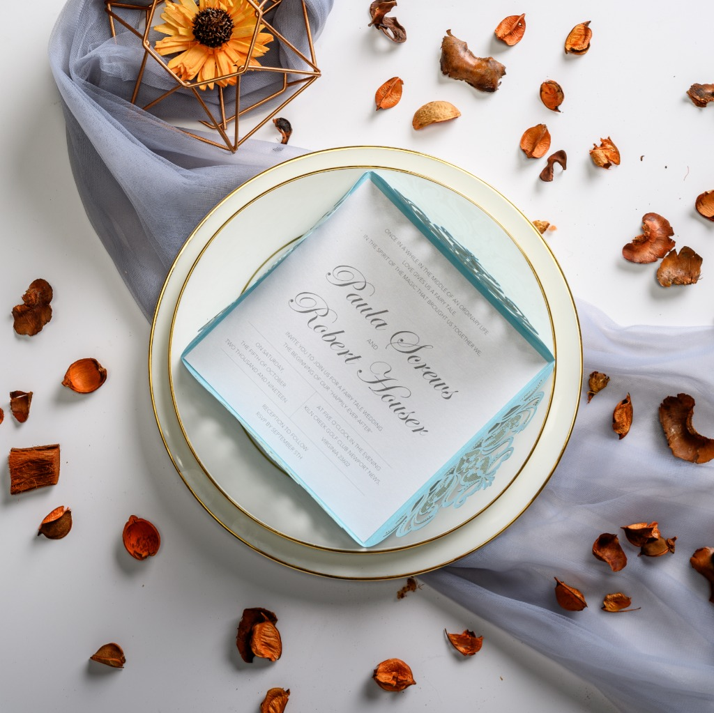 This cool wedding invitation features mint—SUMMER COLOR! You must have a Refreshing and Pleasant wedding with it.