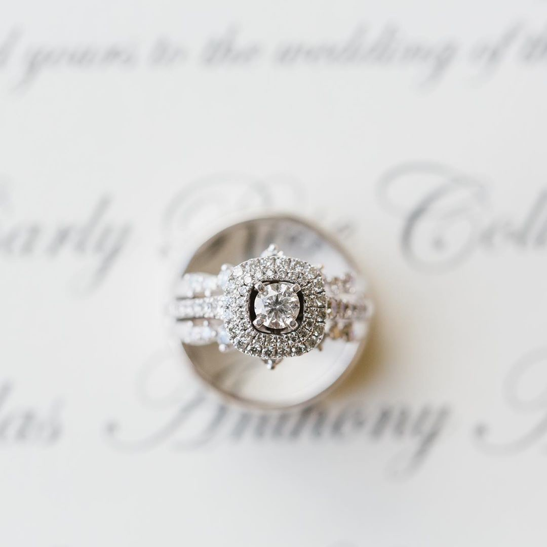A gorgeous ring photo never hurts💍⠀⠀