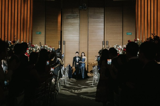 dramatic wedding lighting