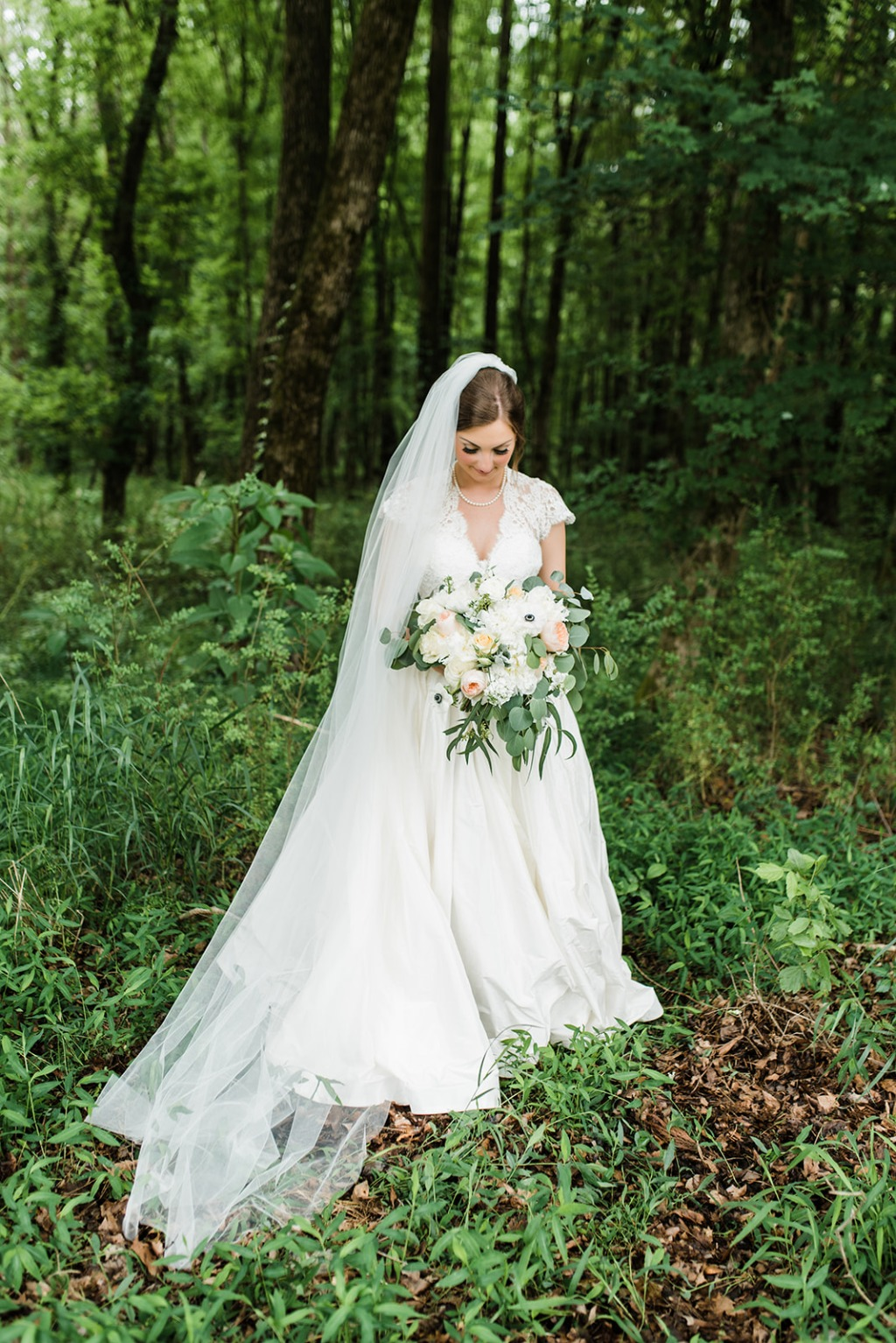Lauren + Addison's Sonnet House Wedding. Custom Lea-Ann Belter gown. Bridal shop: White Dresses | photographer: Laura Wilkerson Photography
