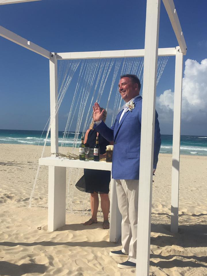 So many ways to style a beach wedding. This groom preferred a mix of causal and traditional!