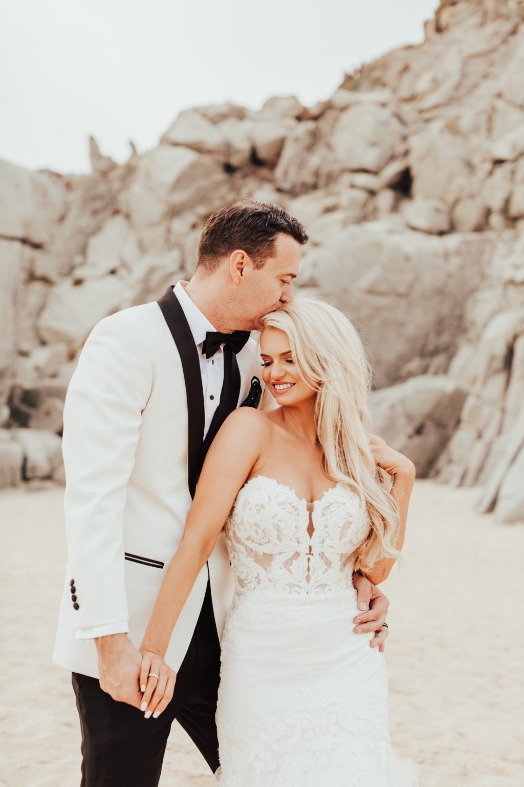 Romantic beach wedding in Cabo