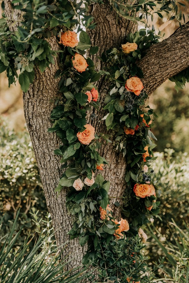 flower garland tree decor