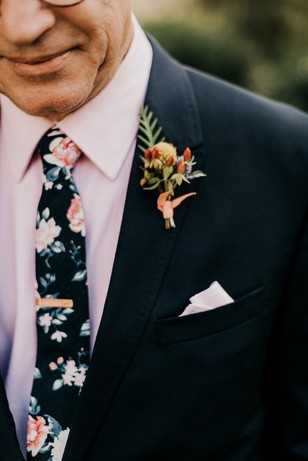 groom and groomsmen floral tie