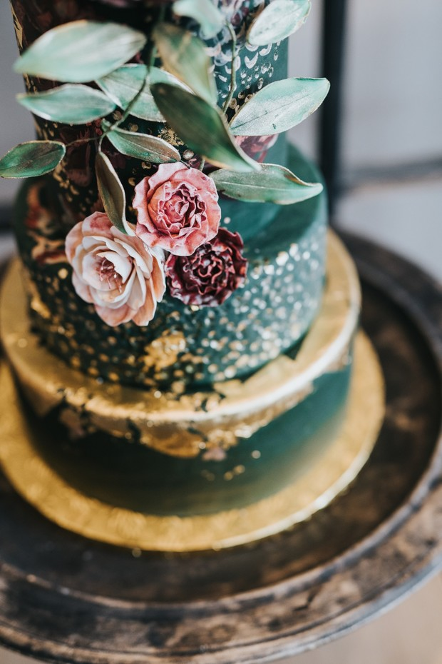 gold and emerald green wedding cake