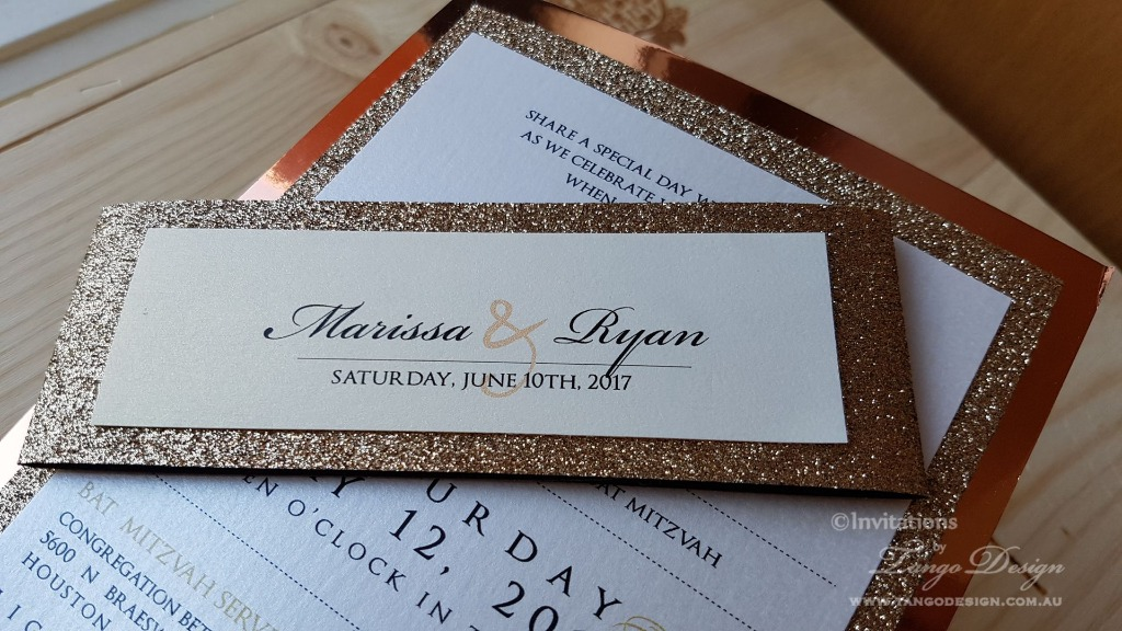 Rosegold glitter beauties. Simple invitation full of glam and shine