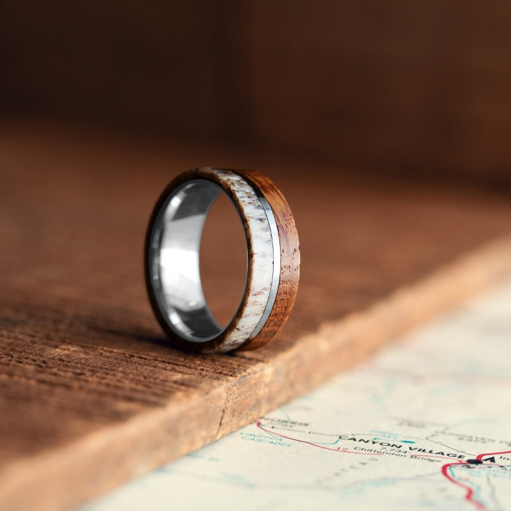 Men's wooden deer antler ring crafted out of tungsten carbide. This antler ring is super durable and super comfy.
