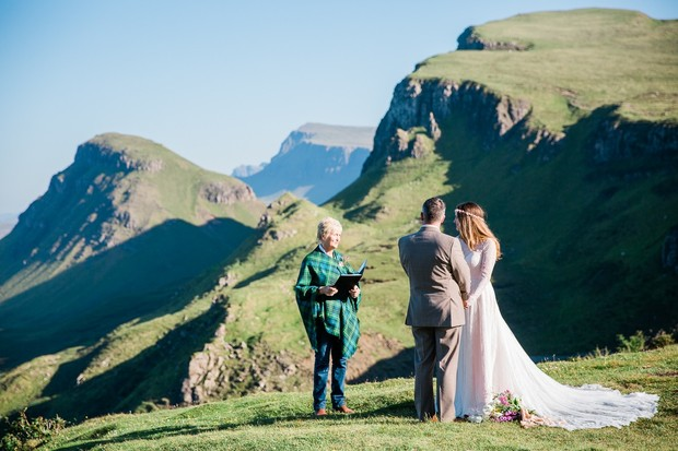 Romantic ceremony in Scotland