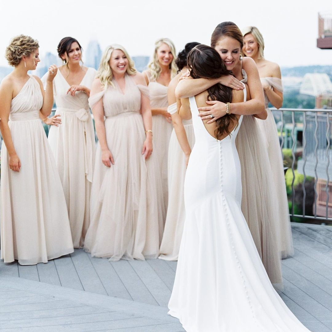 Here's to the tight hugs, the happy tears, & the forever friends.👰
