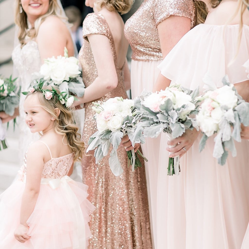Girls in blush dresses with rose gold pops and accents.🌟💗
