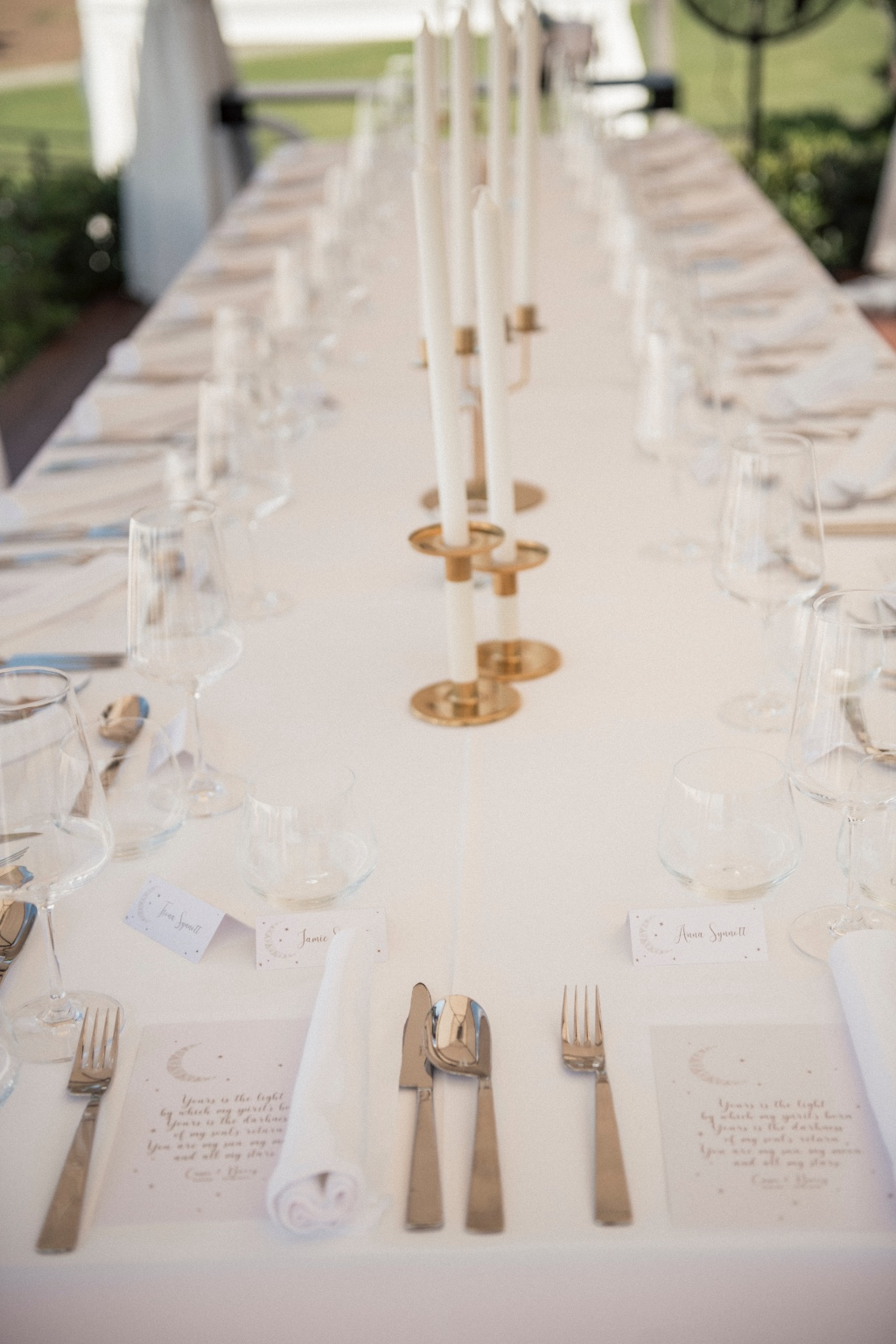 Chic gold and white wedding table decoration
