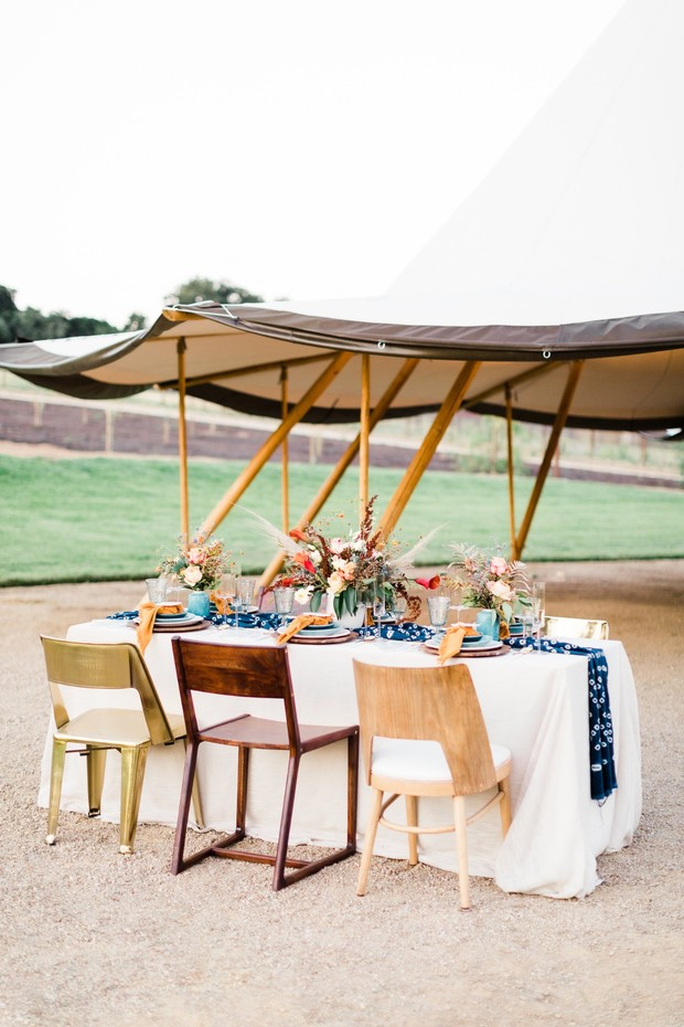 mismatch wedding table