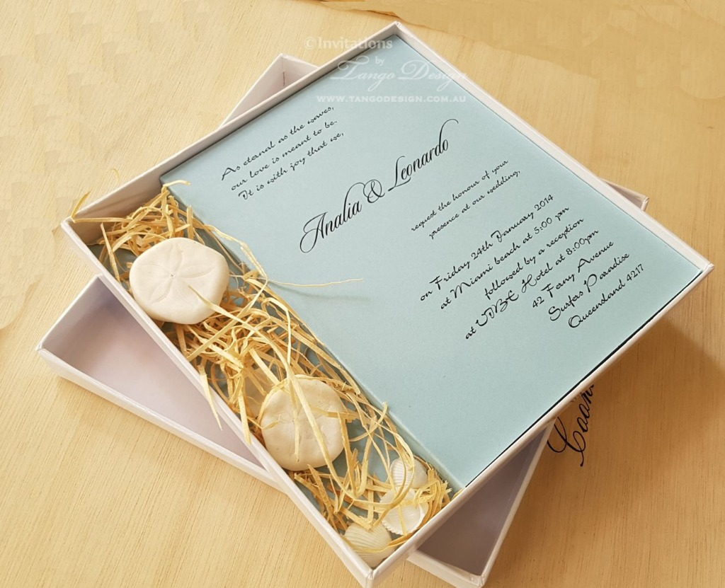 Unique invitation built in a box
