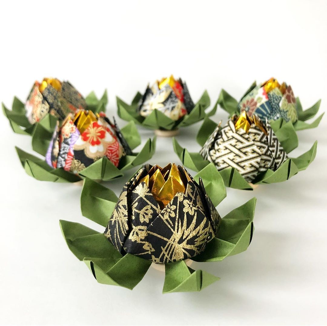 Yuzen paper lotus flowers 🌸 Ideal for weddings (favors, table decoration, etc), events, and more!