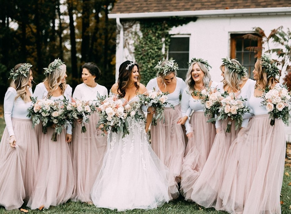 The most whimsical looks for the picture-perfect wedding day.💞🍃