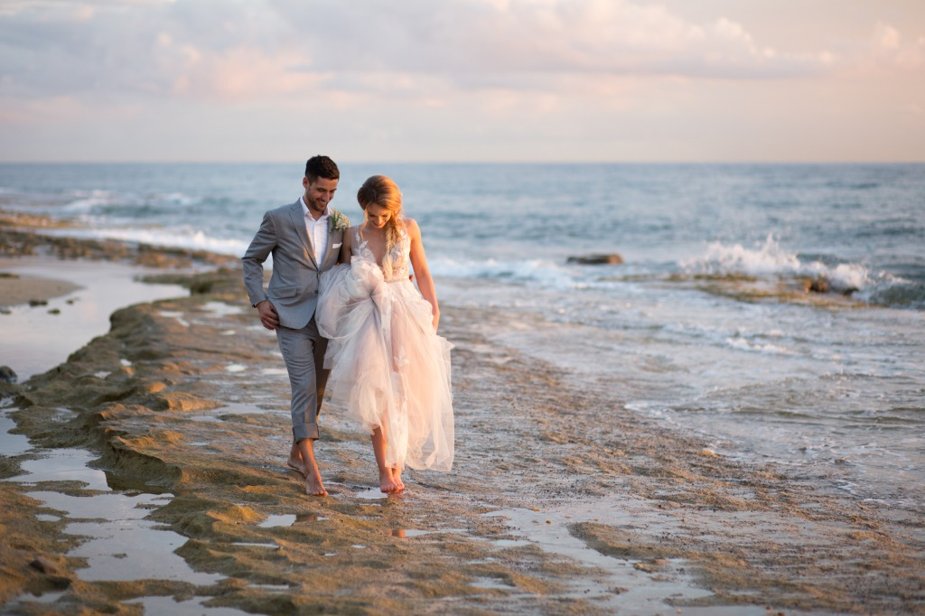 Brad & Dayna planned a gorgeous, beachfront wedding in Puerto Rico and God gave them an amazing, beautiful sky for their golden