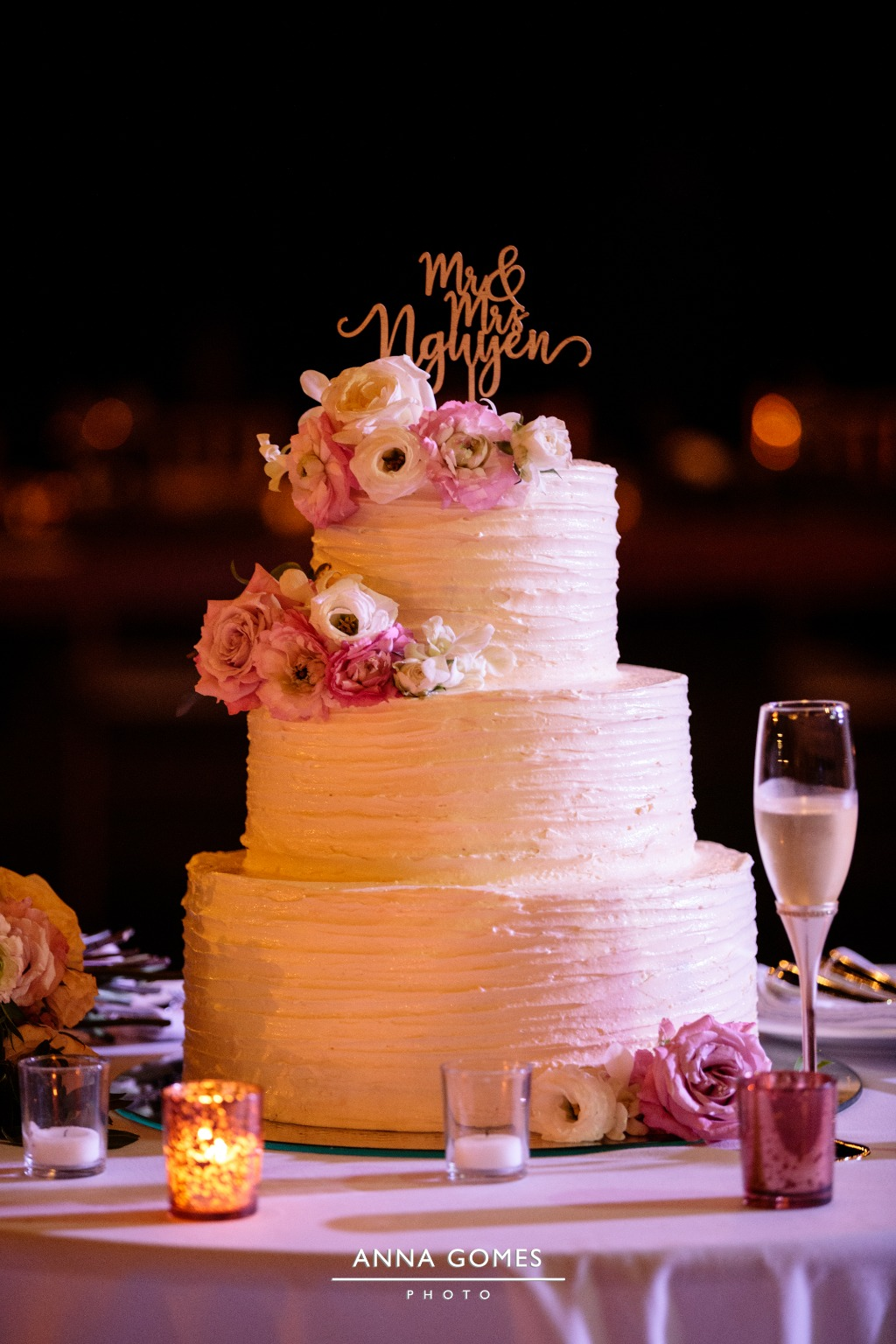 Romantic look for a beautiful cake
