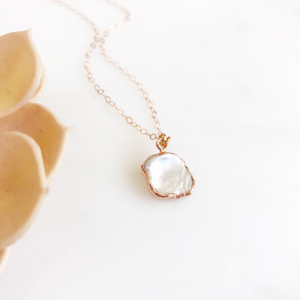 Rose Gold Mother of Pearl Necklace. Rose Gold Wedding Jewelry. White Rose Gold Necklace.