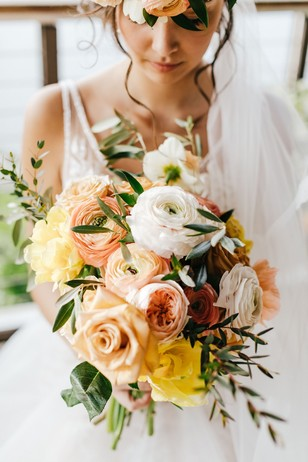 yellow and blush wedding bouquet