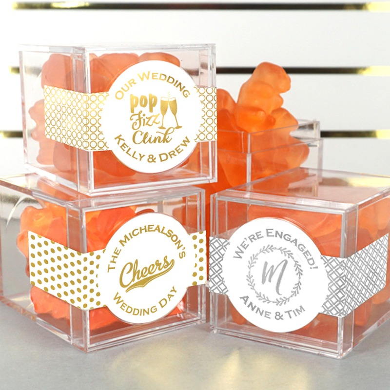 Small but mighty, our clear acrylic boxes with metallic foil labels let you build a unique favor with a special shine! Fill with colorful