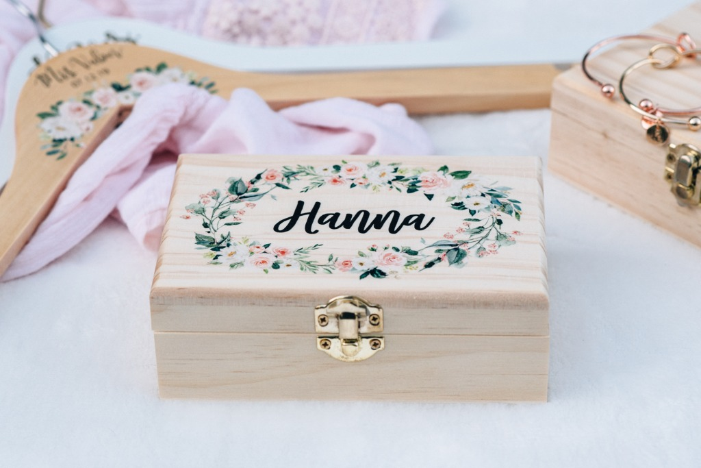 These custom wooden gift boxes make a wonderful gift for flower girl or bridesmaids. They are printed with a gorgeous floral design