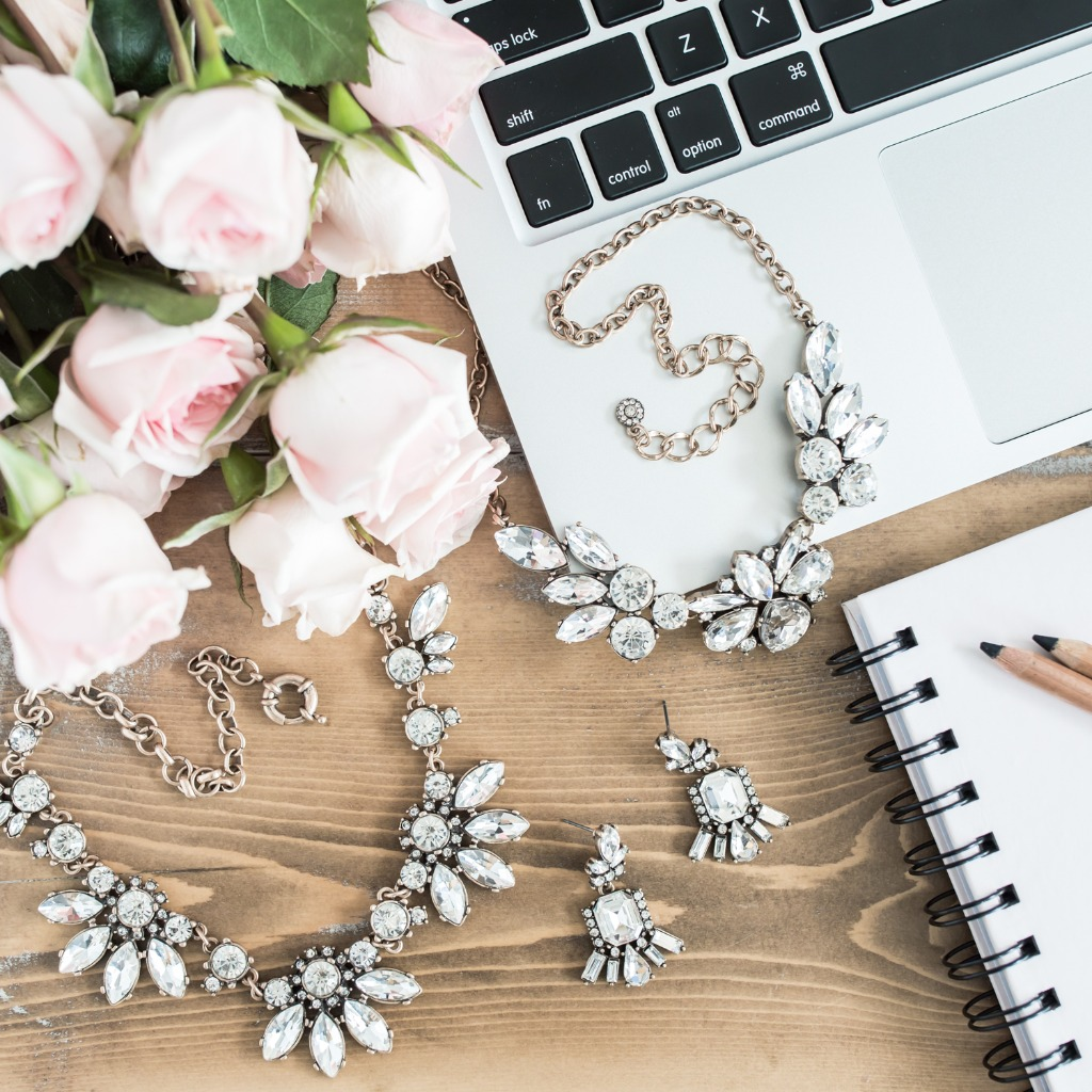 Here at Wink of Pink Shop we are delighted to assist brides on their big day with a vast selection of affordable wedding jewelry for