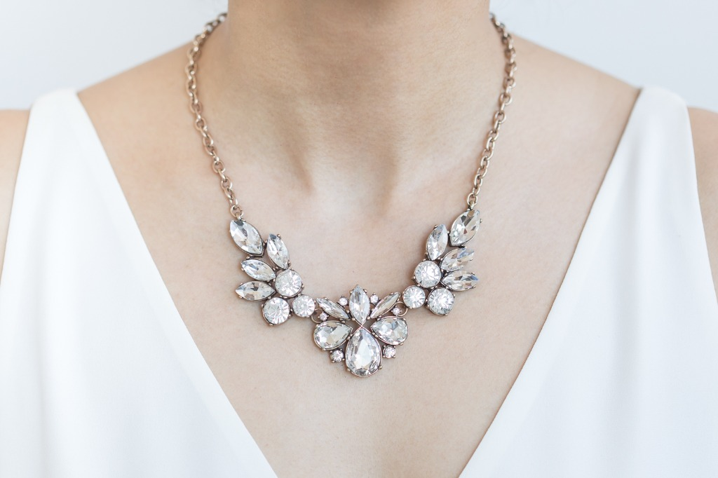 Looking for jewelry for your bridesmaids? At Wink of Pink Shop we offer a vast selection of bridal jewelry for the bride and her bridal