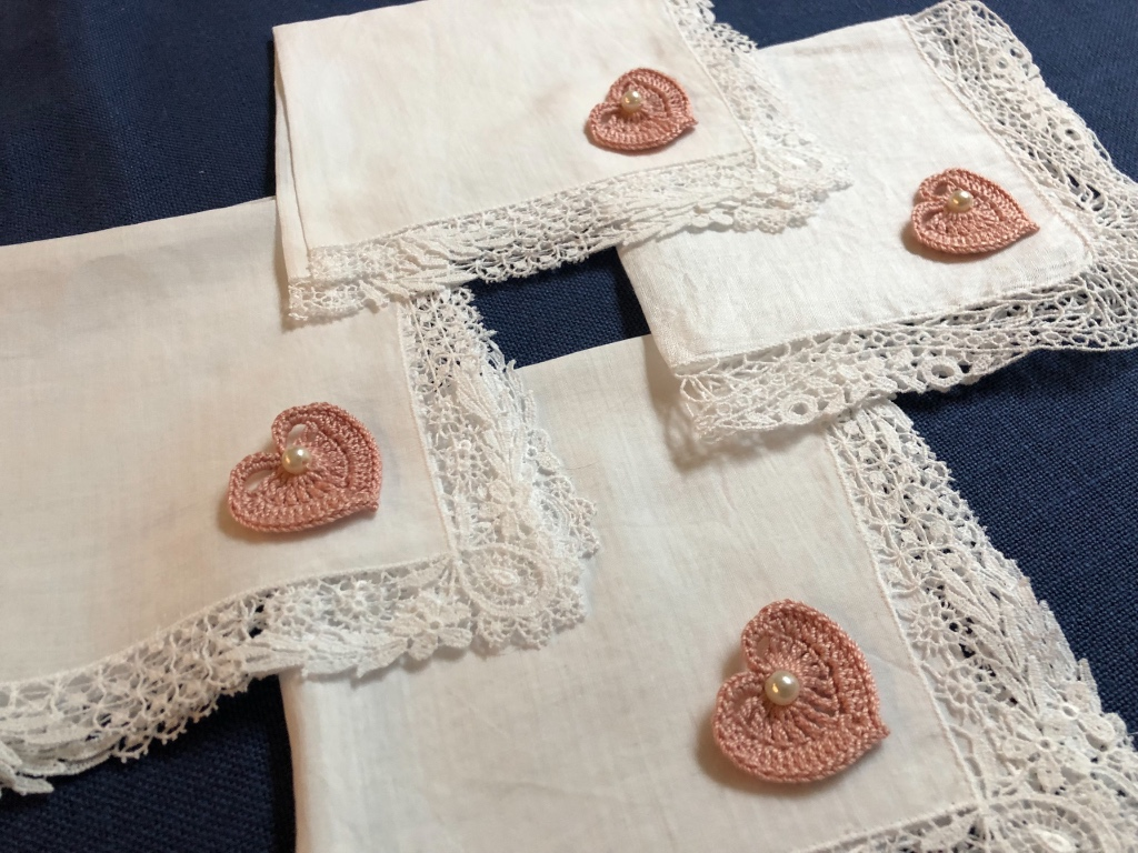 "DUSTY ROSE Vintage Handkerchiefs as ""Thank you"" gifts for your Bridesmaids for their happy tears! We have 900+ Premium Vintage"