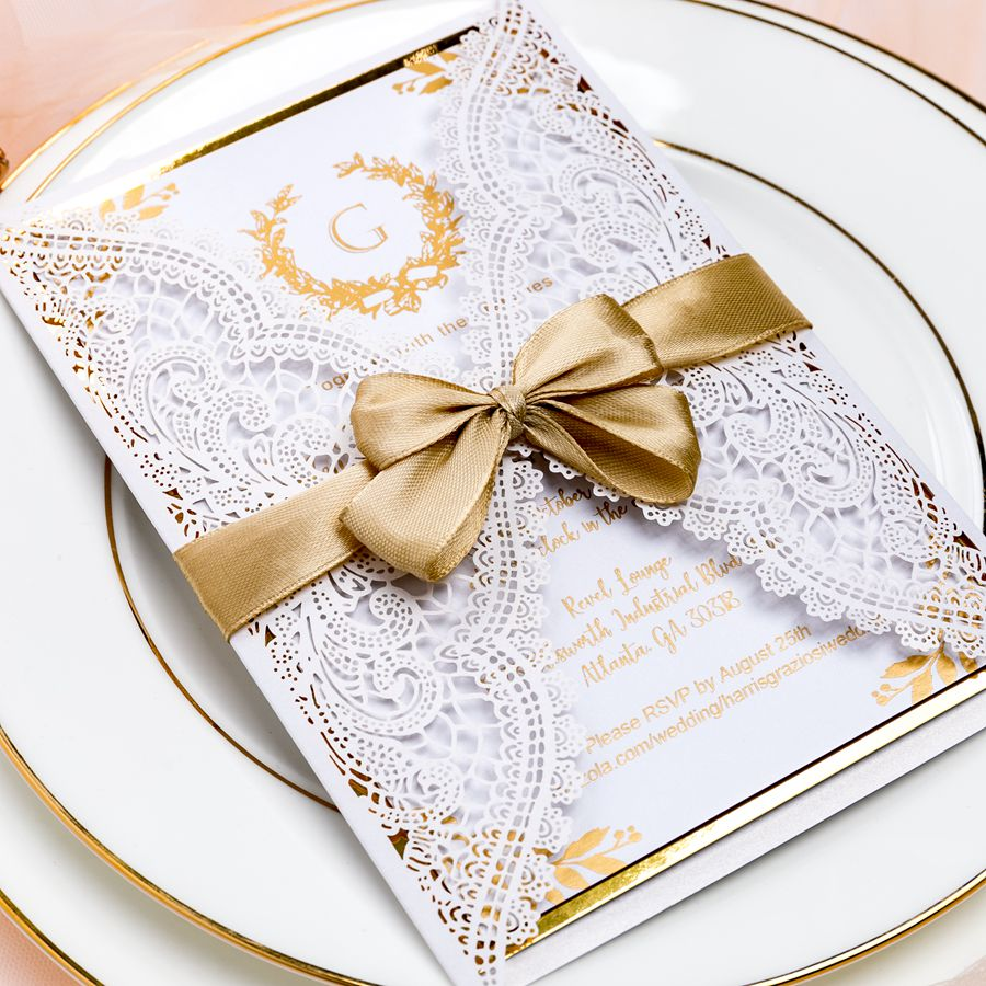 This vintage and elegant invite brings us back to last century with its glittering foil letters. The whole set is finished with a shimmer
