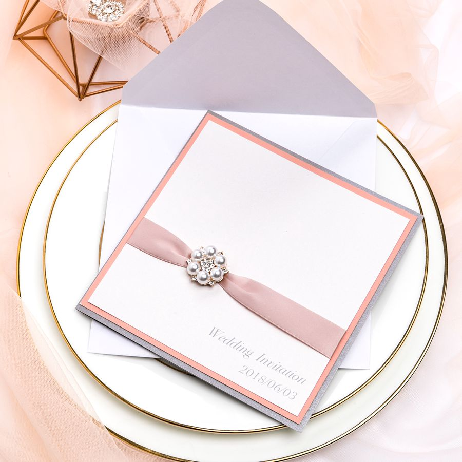 The special trait of this invitation lies in different colors and styles between outside wrap and inside pocket fold. When the guests