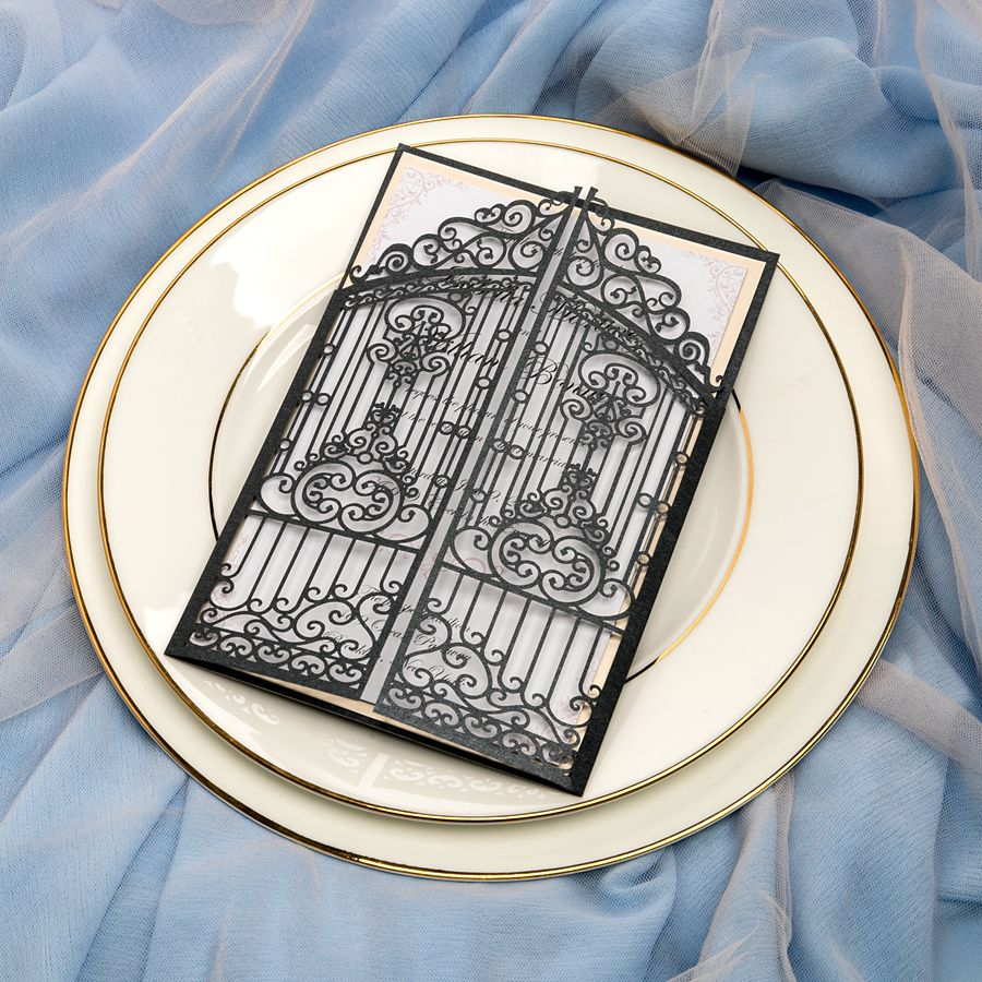 Longing for a vintage wedding in fall or winter? This classic gate invite is designed for you. Simple but delicate, you will get amazed