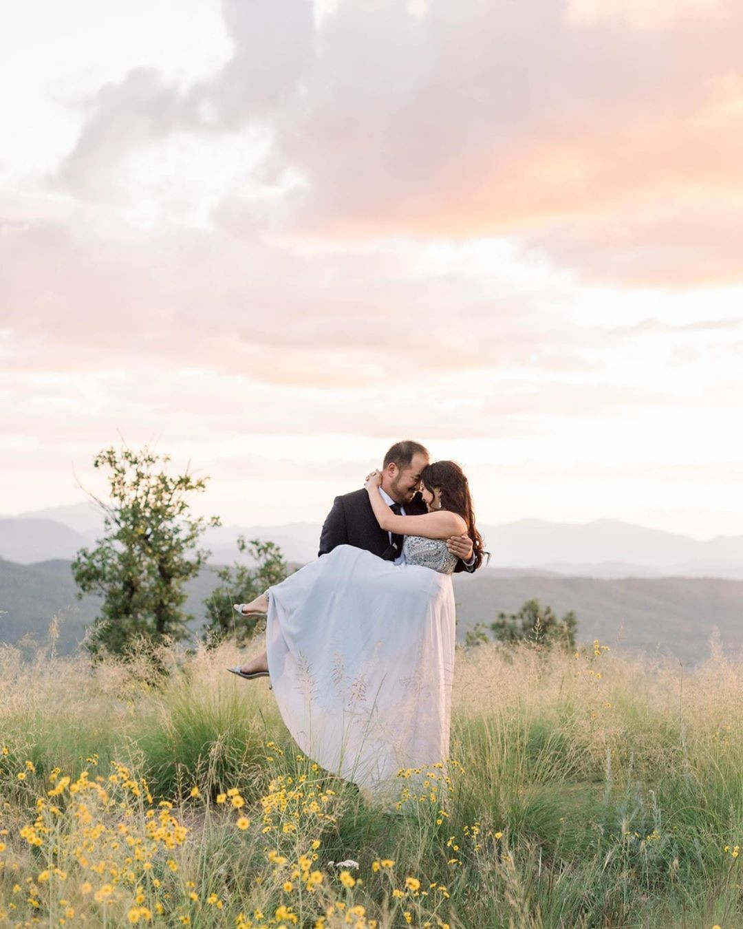 Wowowowow these colors!! Vanessa + Michael, the very best for letting me go on and on and on with these sunset photos 😍😍😍