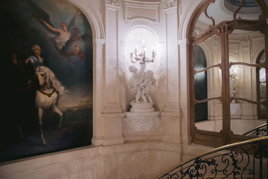 Party like a king - weddings in Paris