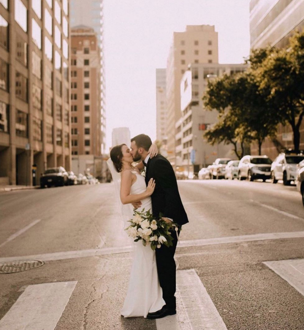 """t's been a month since these two lovebirds said """"I do"""" and seeing the photos from @nicole.marie.photo from their wedding day"""